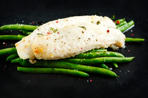 lightly-roasted-basa-fillet-with-green-bean-picture-id1164399644